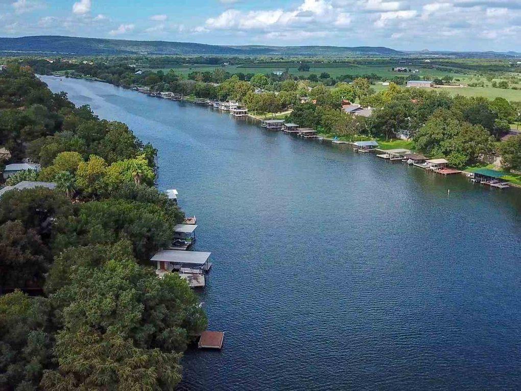 Kingsland Electricity Rates and Lake